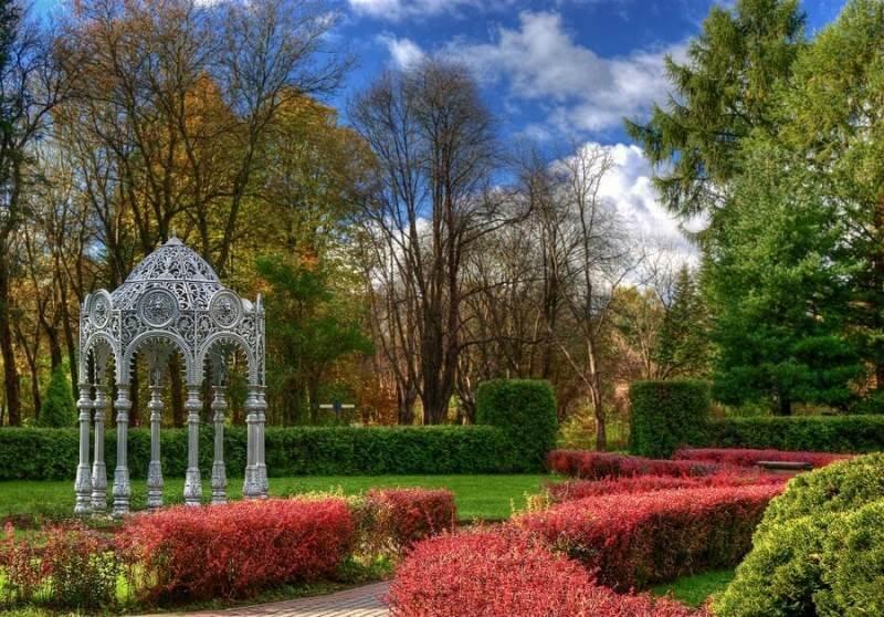 Ботанический сад в Минске весной