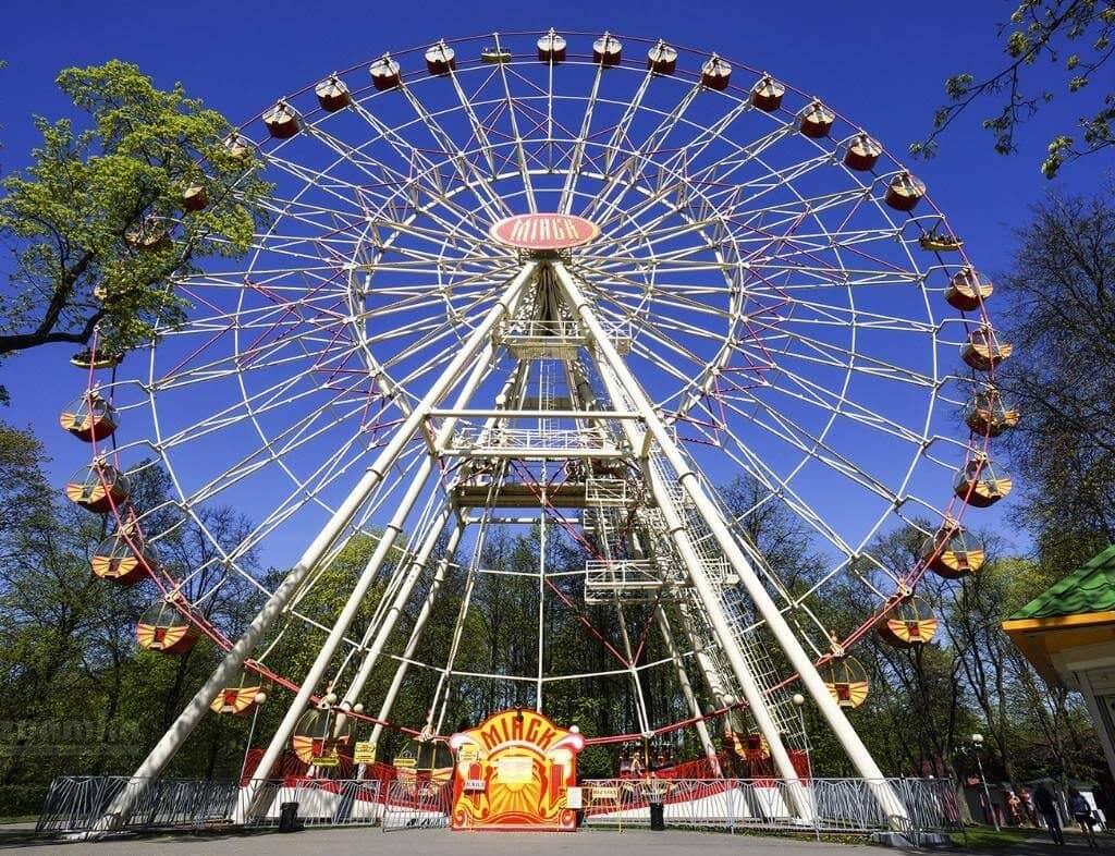 Колесо обозрения в Парке Горькова в Минске