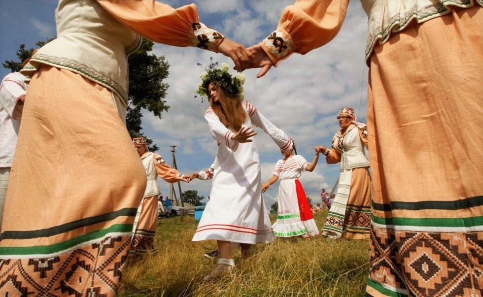 Народные танцы и фестивали на природе. Агротуризм в Беларуси
