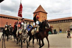 Рыцарский турнир, причины посетить Лидский замок